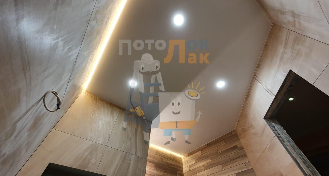 Белые натяжные потолки в ванную в Кемерово фото 8